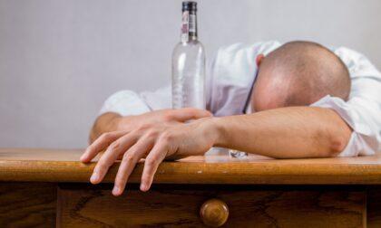 Alcol e Covid: le bevande alcoliche non hanno un effetto protettivo sul virus
