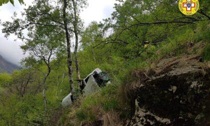 Anziana muore precipitando con l'auto in una scarpata