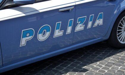 Rubano un'auto: colti in flagrante due donne rom e due uomini