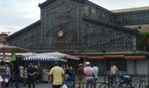 Una vecchia rivalità sfocia in un omicidio tra i banchi del mercato di Porta Palazzo