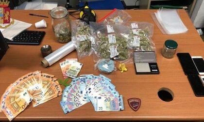 Litiga con la fidanzata, arriva la Polizia e gli trova un bazar della droga