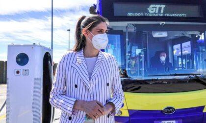 A Torino arrivano i primi quattro bus elettrici: la corsa si paga a bordo con la carta di credito