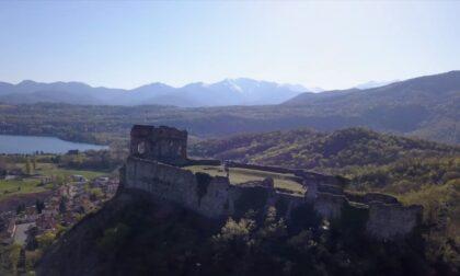 Avigliana tra i sette borghi piemontesi più sostenibili: città medievale dal cuore verde