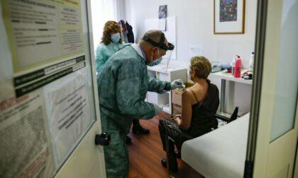 Vaccini anti Covid: sabato 5 giugno open night (fino alle 3.30 di notte) per i giovani dai 18 ai 28 anni