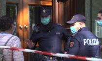 Guardia giurata uccide la moglie sul pianerottolo con la pistola d'ordinanza