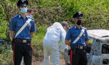 Corpo carbonizzato a Gassino: omicidio o suicidio? Interrogata la proprietaria dell'auto
