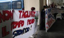 Insegnanti in piazza a Torino per dire no ai tagli di organico