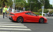 Investita sulla strisce da una Ferrari, 30enne grave al Cto