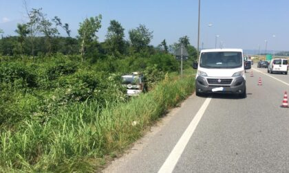 Malore al volante, uomo esce di strada e muore