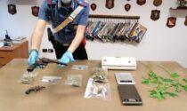 Arrestato pusher, in casa oltre 320 grammi tra marijuana e hashish