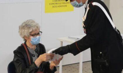 Donna si spaccia per carabiniere per truffare un'anziana