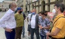 Damilano incontra i lavoratori ex-Embraco al presidio permanente