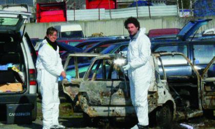 Corpo carbonizzato in auto: due drammatici precedenti