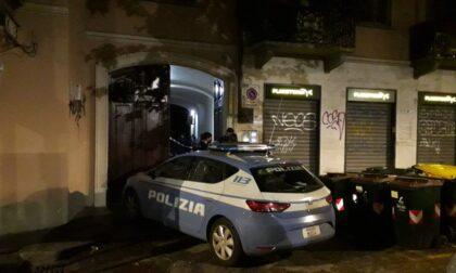 Omicidio a Torino: ragazzo di 25 anni ucciso a coltellate in casa