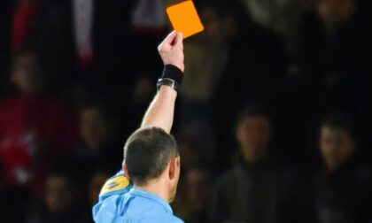 """Quattro nuove regole per cambiare il calcio: dal cartellino arancione """"a tempo"""" alle sostituzioni illimitate"""