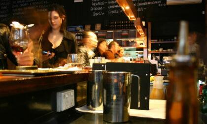 A Torino scatta l'ordinanza anti-movida: consumazioni solo nei locali e negozi chiusi alle 21