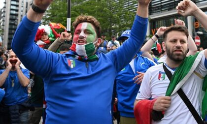 Finge di festeggiare la Nazionale, invece tenta una rapina