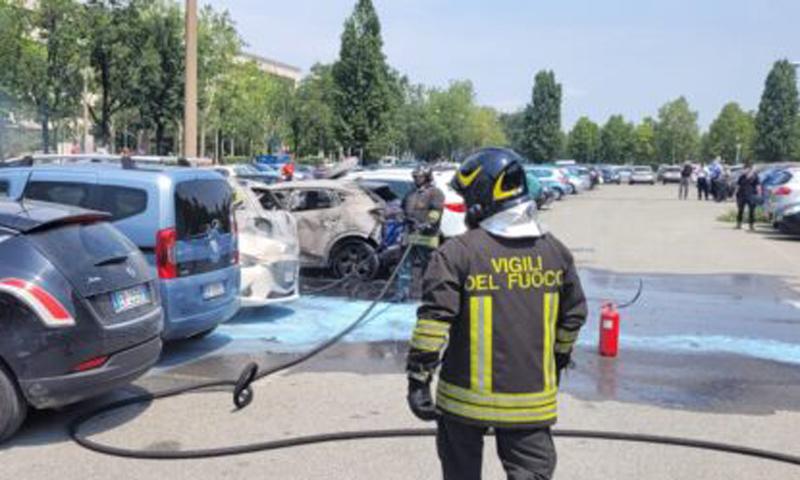Beccato il piromane delle auto incendiate a Torino: è un 29enne nigeriano