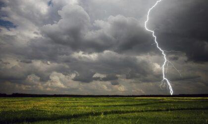 Allerta meteo per forti temporali su tutto il Piemonte: brusco calo delle temperature