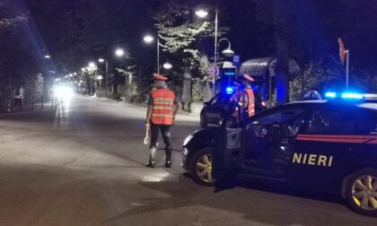 Non si ferma all'alt e rischia di investire un Carabiniere, scatta l'inseguimento a folle velocità