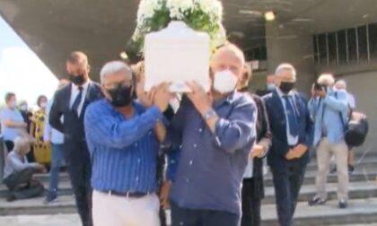 Ultimo saluto ad Aron, il piccolo di 4 anni morto nel crollo della palazzina di Strada Bramafame