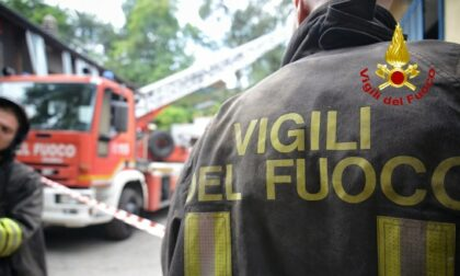 Fiamme in due palazzine a Barriera Milano: nove intossicati tra cui tre bambini