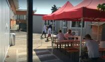 Pausa pranzo in mensa: azienda di Pinerolo spedisce in cortile chi è senza Green pass