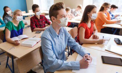 Ad un mese dalla riapertura diminuiscono i contagi nelle scuole piemontesi
