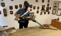 Armi e munizioni illegali, sequestrati fucili e oltre 250 munizioni: due arresti