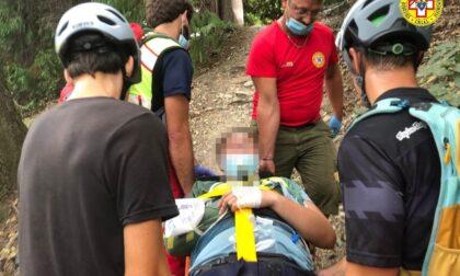 Mountainbiker cade in Collina: portato in salvo dal Soccorso Alpino