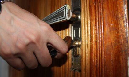 Sfrattato dal padrone di casa sostituisce la serratura per poter entrare